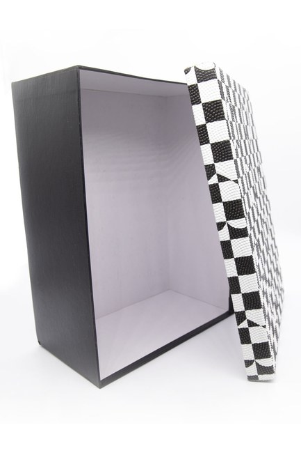 Mizalle Home - صندوق مربع أبيض وأسود (18X26) (1)