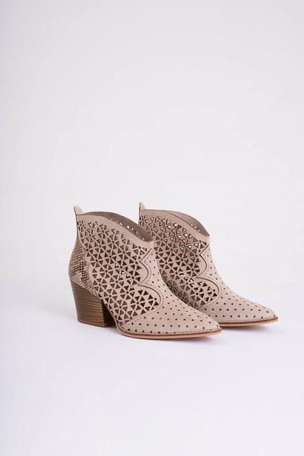 Mizalle - حذاء بثقوب ستايل غربي ( منك ) (1)