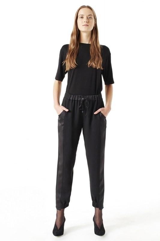 Asimetrik Paçalı Pantolon (Siyah)