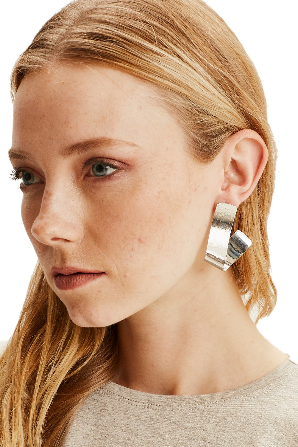 MIZALLE Fluid Geometric Earrings (Silver) (1)