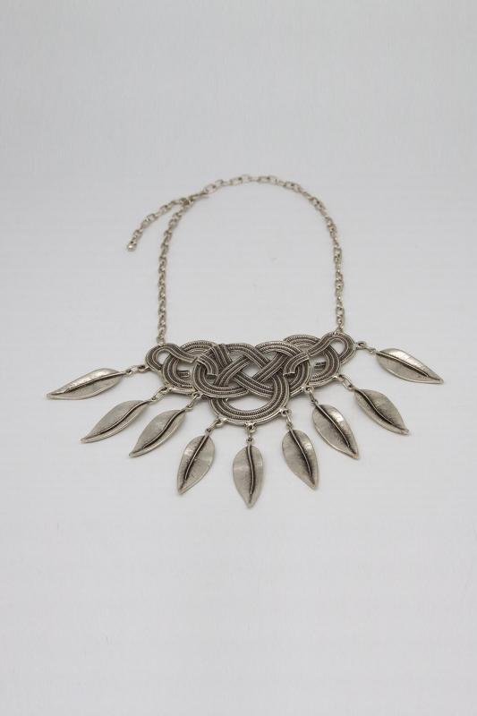 Yaprak Detaylı Antik Gümüş Kaplama Kolye