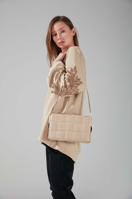Mizalle - حقيبة كتف محبوكة (بيج)