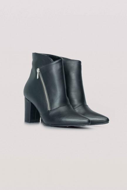 Mizalle - حذاء بوت بكعب سميك (أسود)