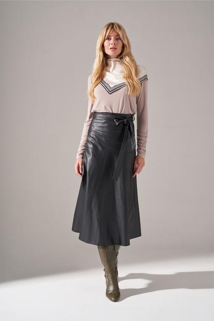 Mizalle - تنورة جلد صناعي (أسود)