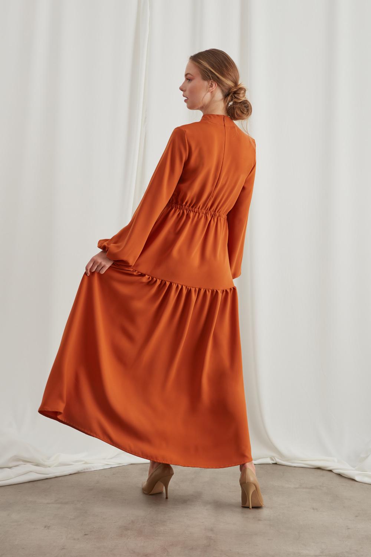 فستان مكشكش من الطوب