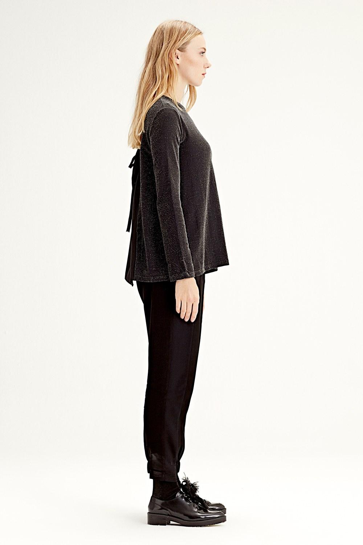MIZALLE Arkası Garnili Bluz (Siyah) (1)