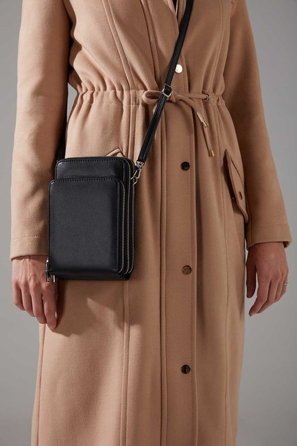 Mizalle - Multi Pocket Shoulder Bag (Black) (1)