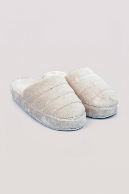 Mizalle - Plush House Slippers (Beige)