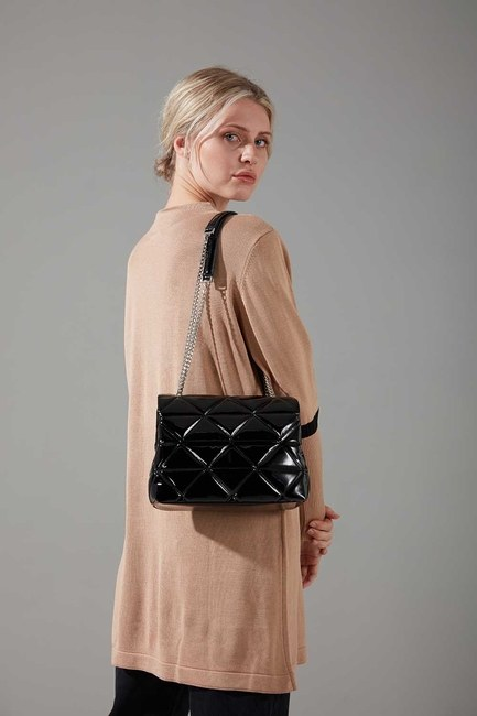 Mizalle - حقيبة يد وكتف مبطنة (أسود)