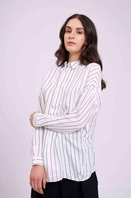 Mizalle - بلوزة قميص بياقة مخططة (عَاجِيّ)