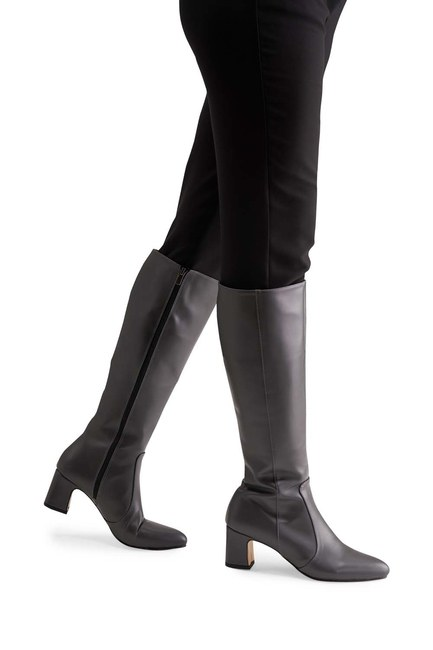 Mizalle - حذاء طويل بكعب سميك (رمادي)