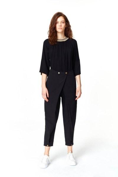 MIZALLE Asimetrik Detaylı Pantolon (Siyah)