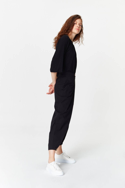 MIZALLE Asimetrik Detaylı Pantolon (Siyah) (1)