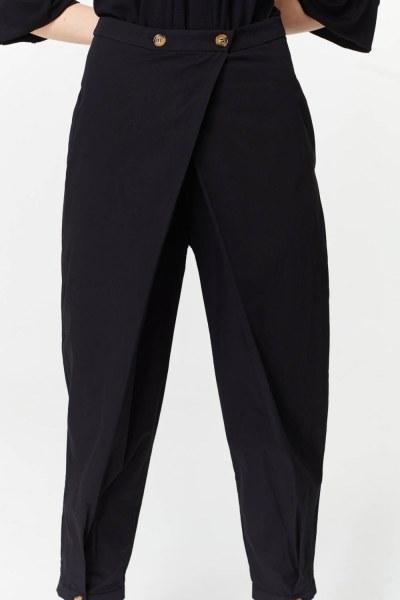 MIZALLE - Asimetrik Detaylı Pantolon (Siyah) (1)