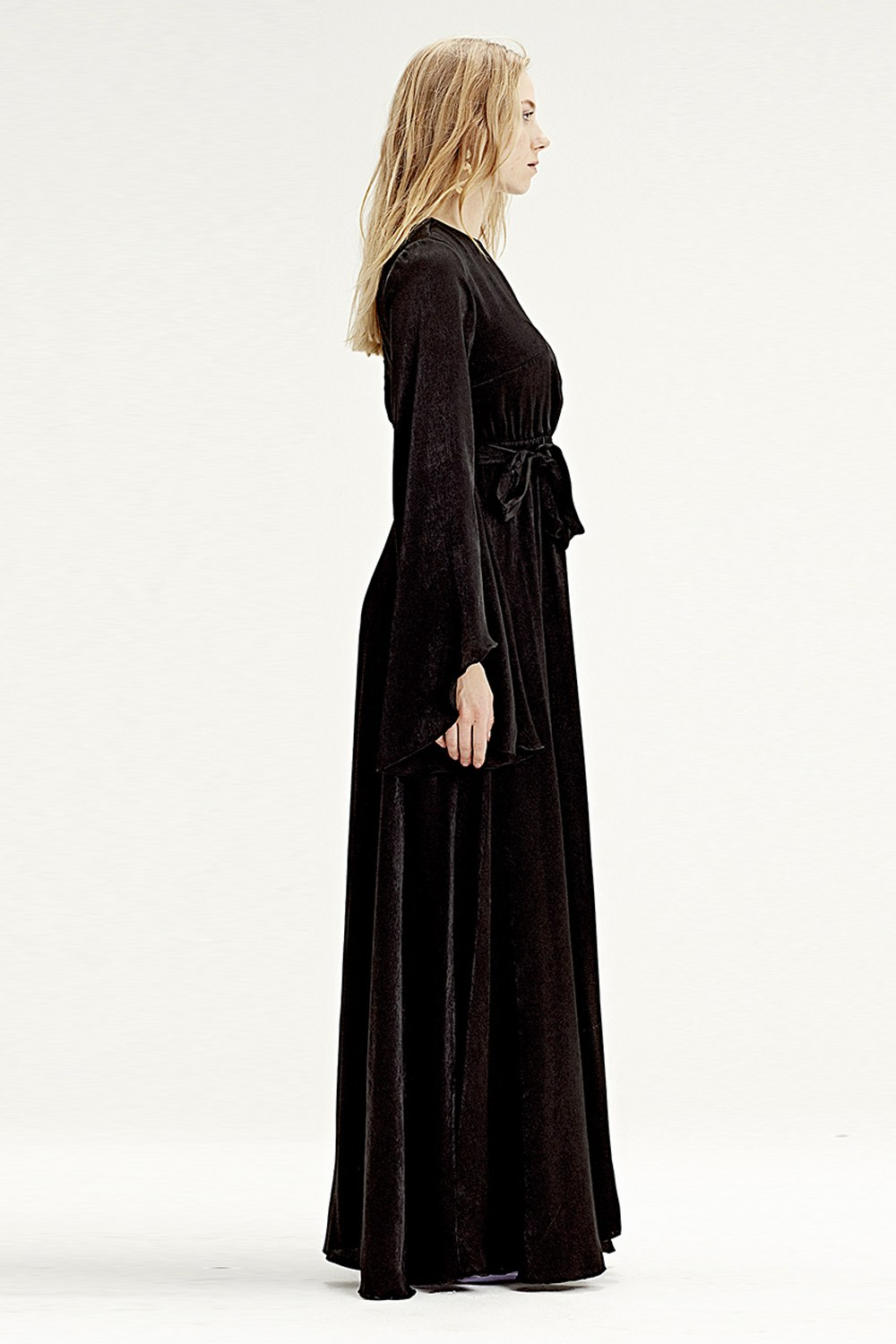MIZALLE Asymmetrical Sleeve Dress (Black) (1)