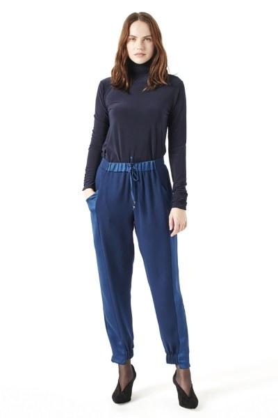 MIZALLE Asymmetric Leg Trousers (Indigo)