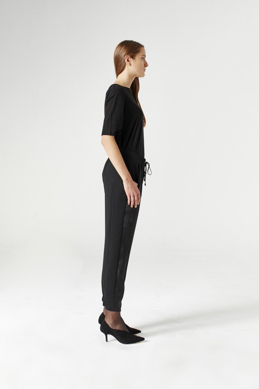 MIZALLE Asymmetric Leg Trousers (Black) (1)