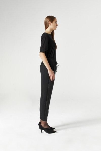 MIZALLE - Asymmetric Leg Trousers (Black) (1)