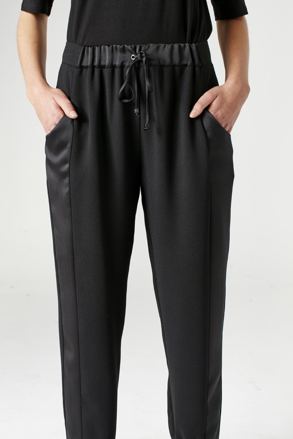 MIZALLE Asymmetric Leg Trousers (Black) (1)