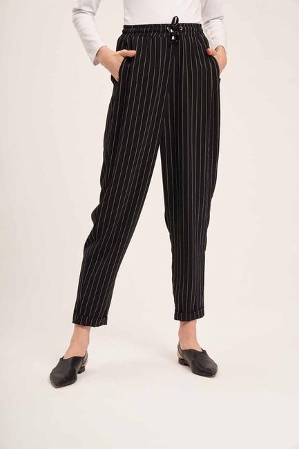 Mizalle - Bağcıklı Çizgili Pantolon (Siyah) (1)
