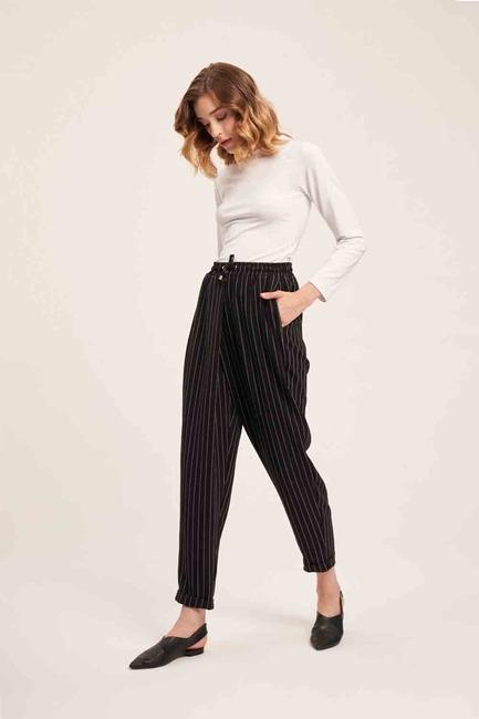 Mizalle - Bağcıklı Çizgili Pantolon (Siyah)