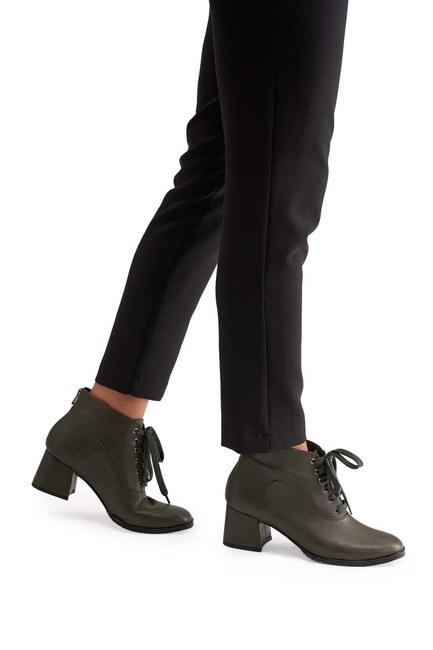 MIZALLE حذاء نصف بوط باربطة (كاكي)