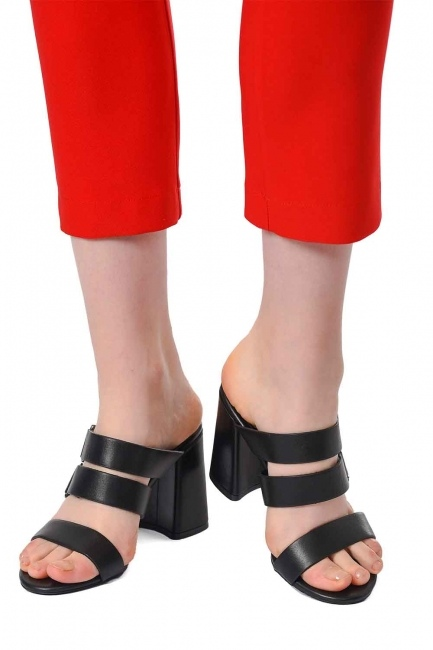 MIZALLE Banded Leather Shoes (Black)