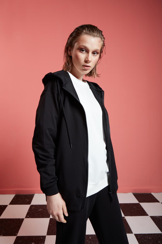 Basic Fermuarlı Siyah Sweatshirt