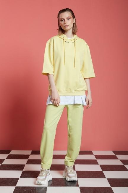 Mizalle - Basic Kısa Kollu Açık Sarı Sweatshirt