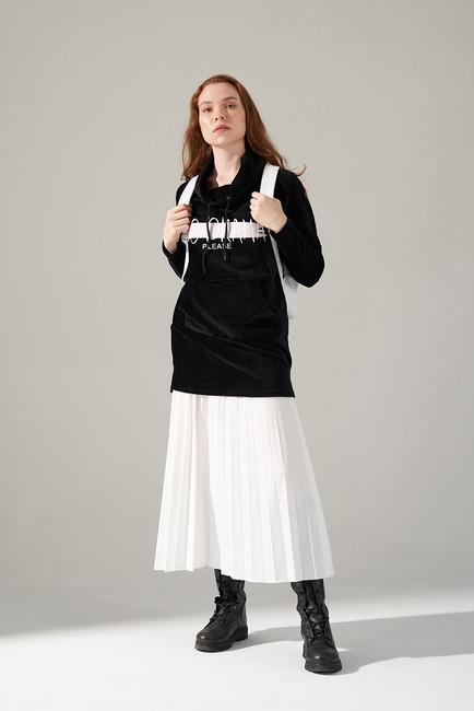 Mizalle - Baskılı Kadife Sweatshirt (Siyah)