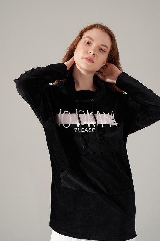 Baskılı Kadife Sweatshirt (Siyah)