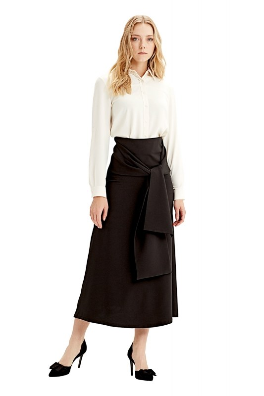Waistbelt Skirt (Black)