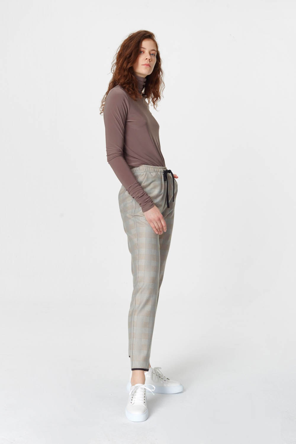 MIZALLE Laced Waist Plaid Trousers (Beige) (1)
