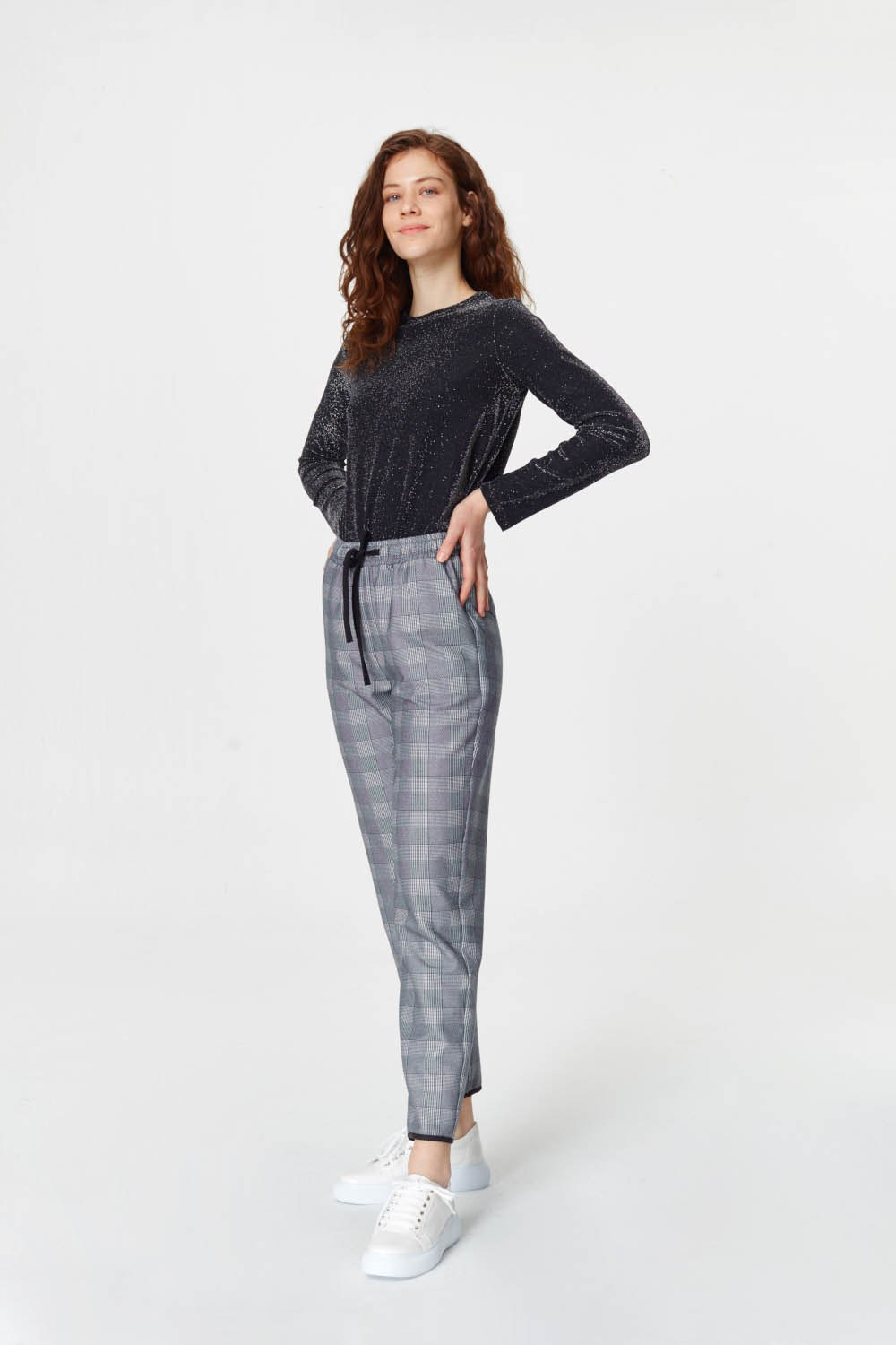 MIZALLE Laced Waist Plaid Trousers (Navy Blue) (1)