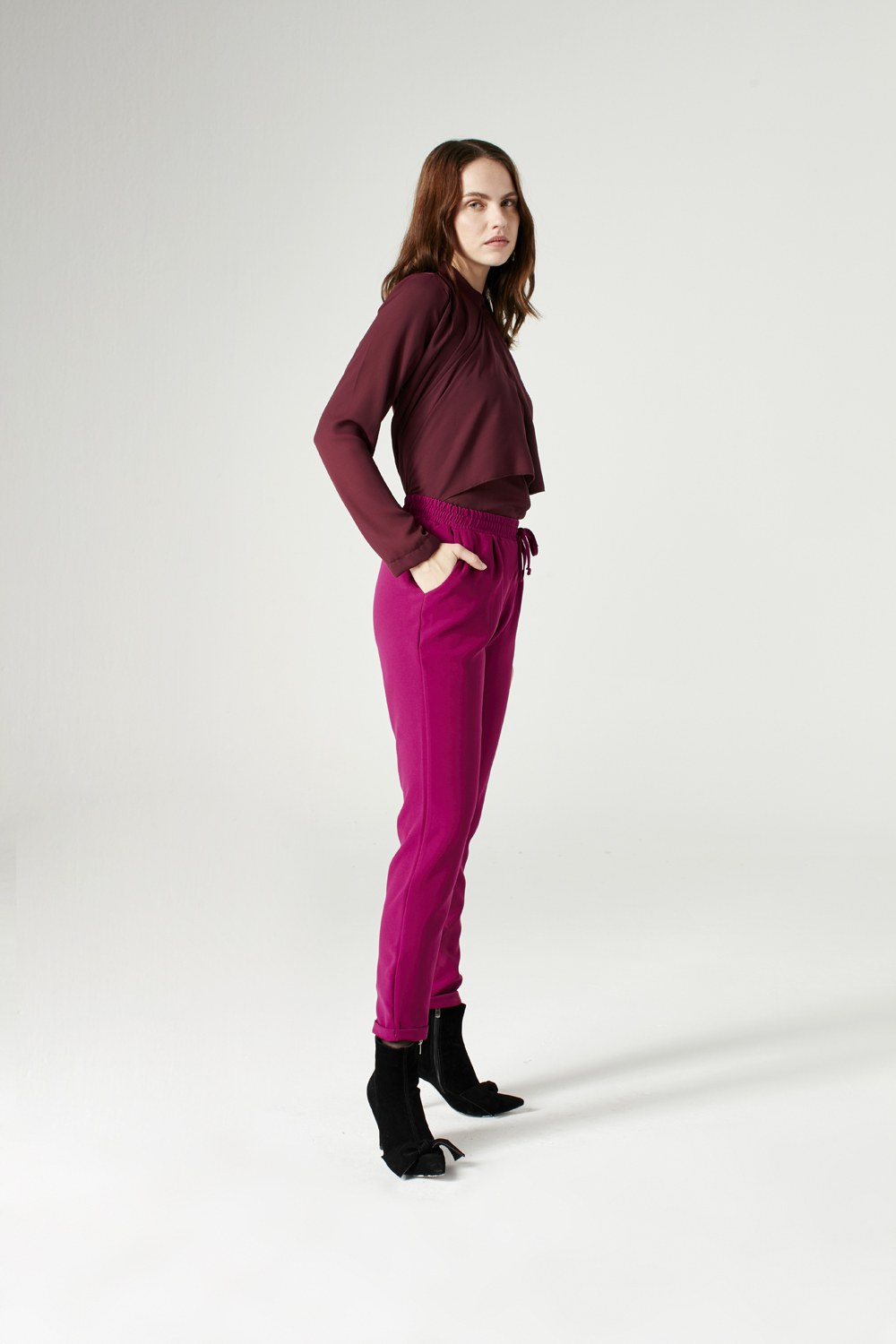 MIZALLE Elasticated Waist Cuffed Trousers (Fuchsia) (1)