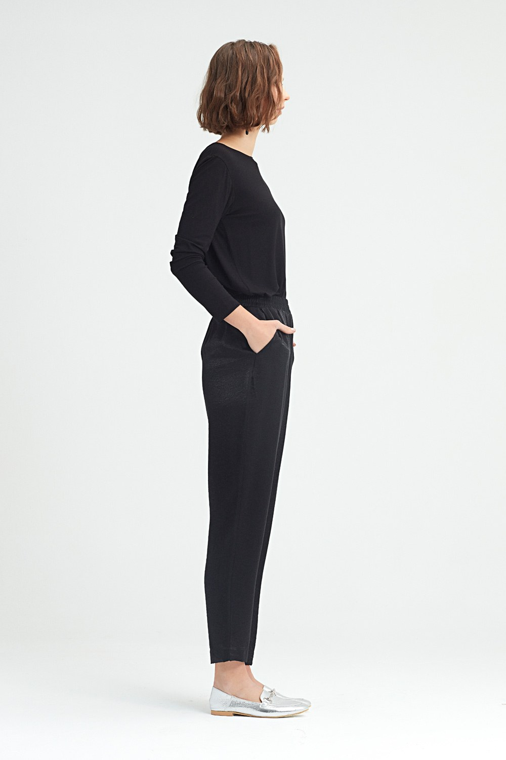MIZALLE Waist-Pleated Trousers (Black) (1)