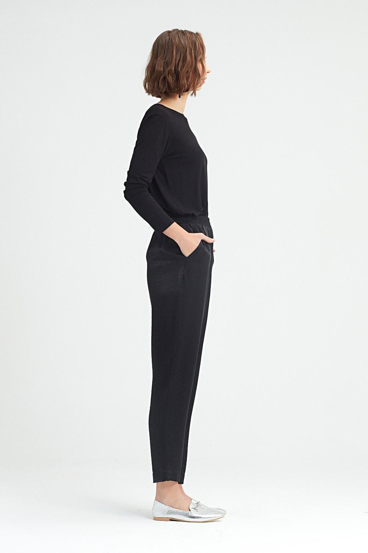 MIZALLE Beli Pileli Pantolon (Siyah) (1)