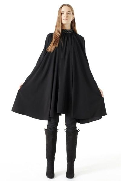 MIZALLE Bol Kesim Yaka Detaylı Elbise (Siyah)