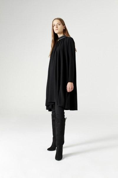Bol Kesim Yaka Detaylı Elbise (Siyah) - Thumbnail