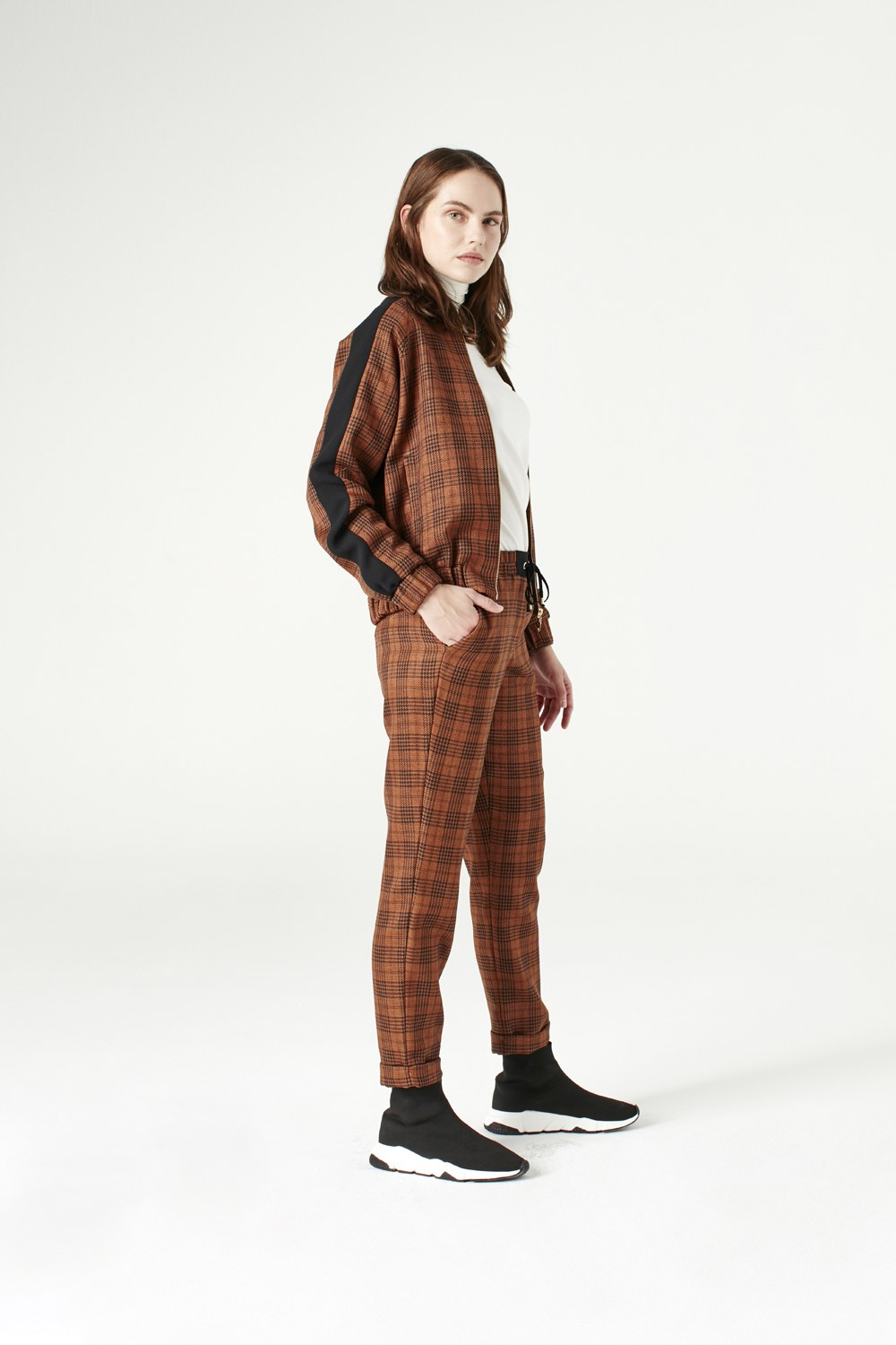 MIZALLE Plaid Bomber Jacket (Brown) (1)