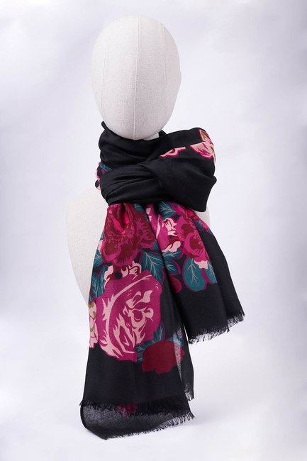 MIZALLE - Flower Patterned Large Shawl (Black) (1)