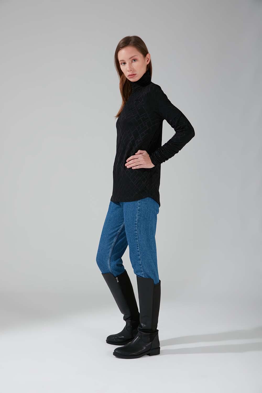 Büzgü Yakalı Desenli Bluz (Siyah)