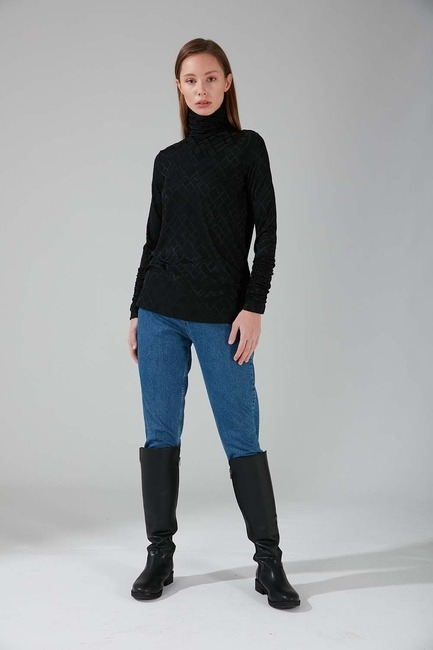 Mizalle - Büzgü Yakalı Desenli Bluz (Siyah)