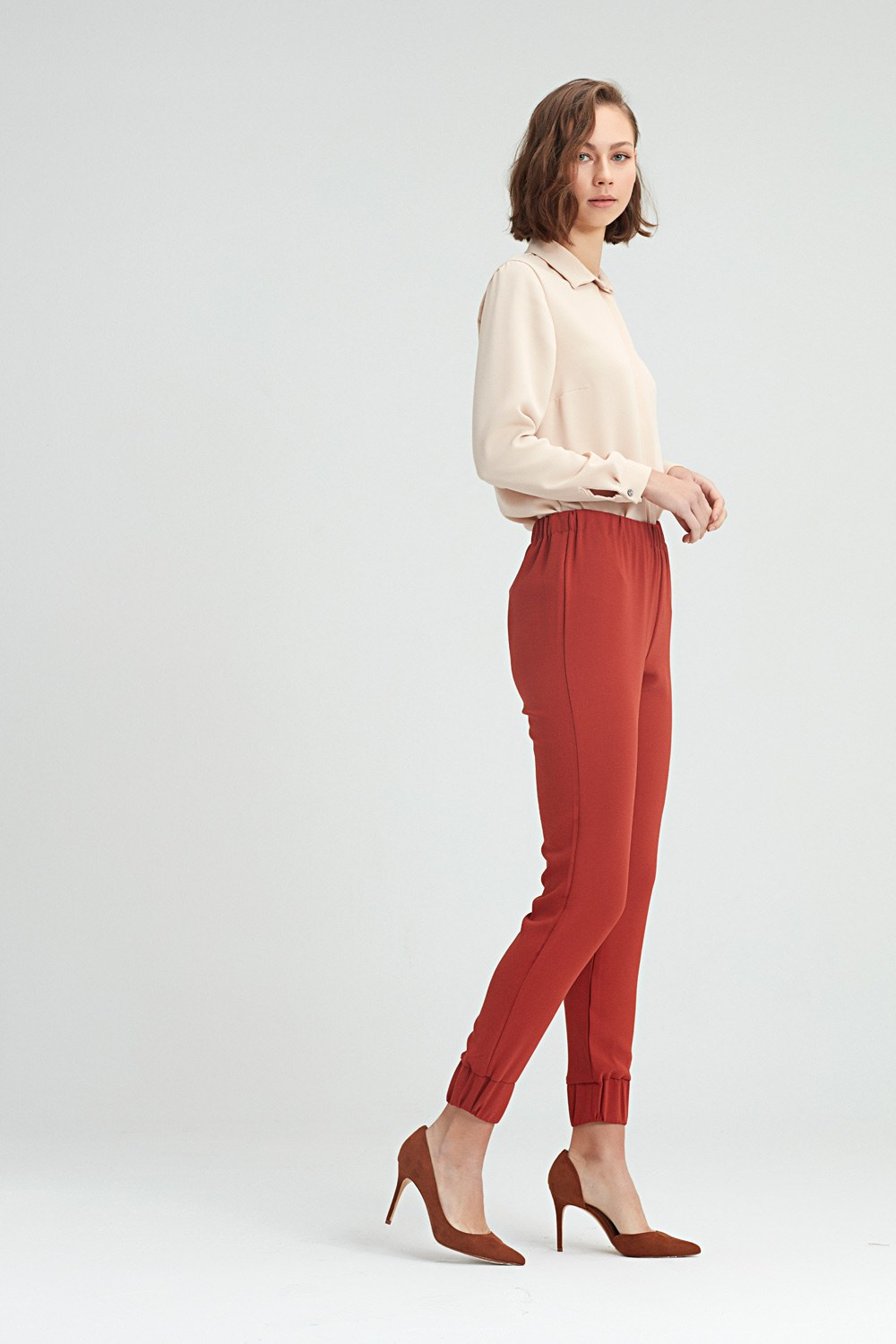MIZALLE Ruched Trousers (Brick Red) (1)