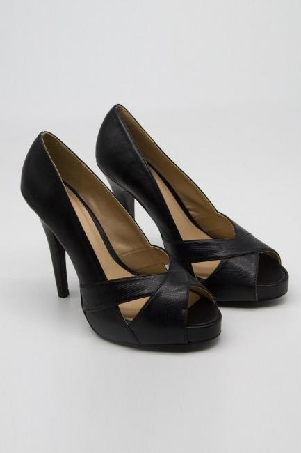 Mizalle - Çapraz Bant Topuklu Ayakkabı (Siyah)