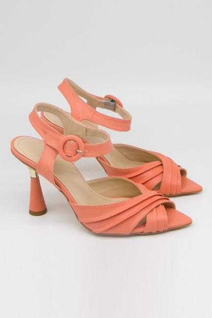 Mizalle - Çapraz Bantlı Yavruağzı Topuklu Ayakkabı