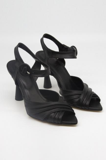 Mizalle - Çapraz Bantlı Topuklu Ayakkabı
