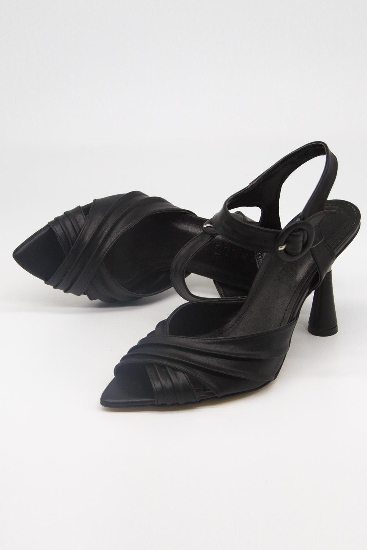 Çapraz Bantlı Siyah Topuklu Ayakkabı