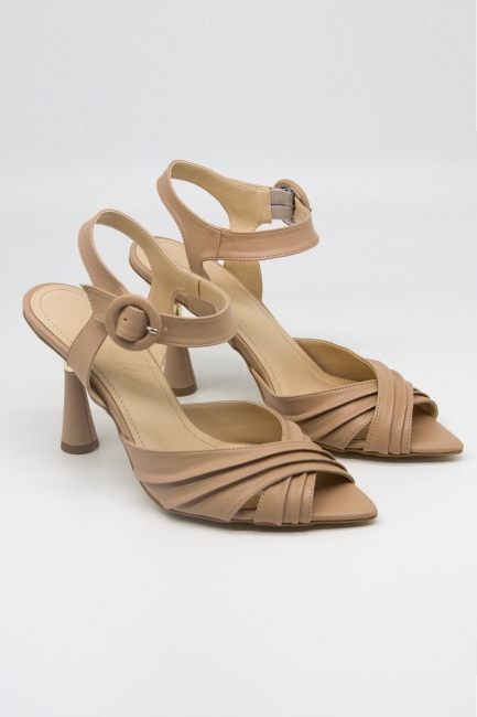 Mizalle - Çapraz Bantlı Bej Topuklu Ayakkabı