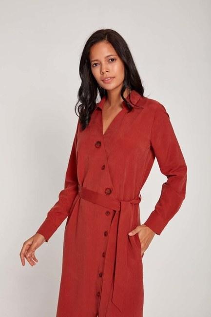MIZALLE - Cross Button Dress (Brick Red) (1)